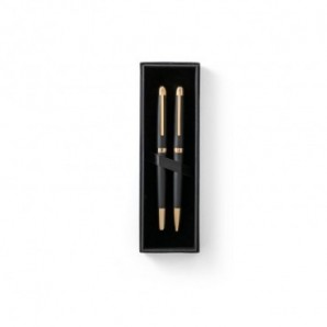 Libreta de papel reciclado rayada y notas